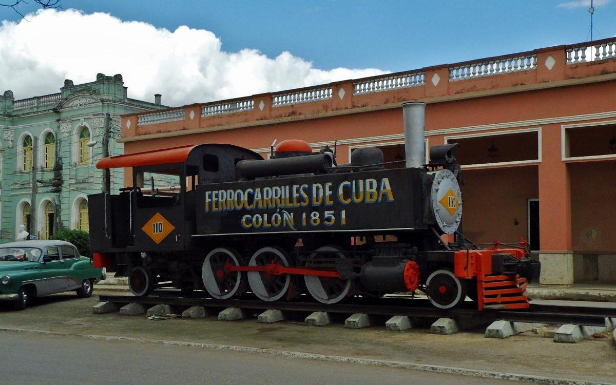Travel Cuba by train
